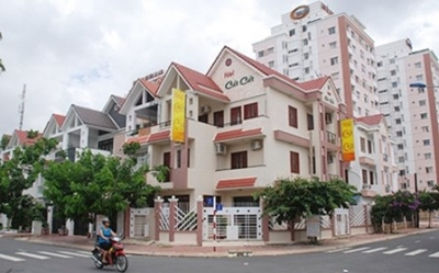 Vietnam lawmakers want restrictions on foreigners buying houses